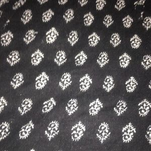 GAP Shorts - Gap black shorts with floral pattern Size 4